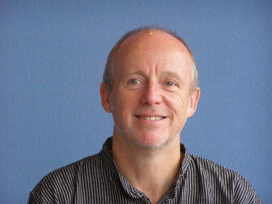 <h2>Professor Dr. Ewald Reuter</h2>